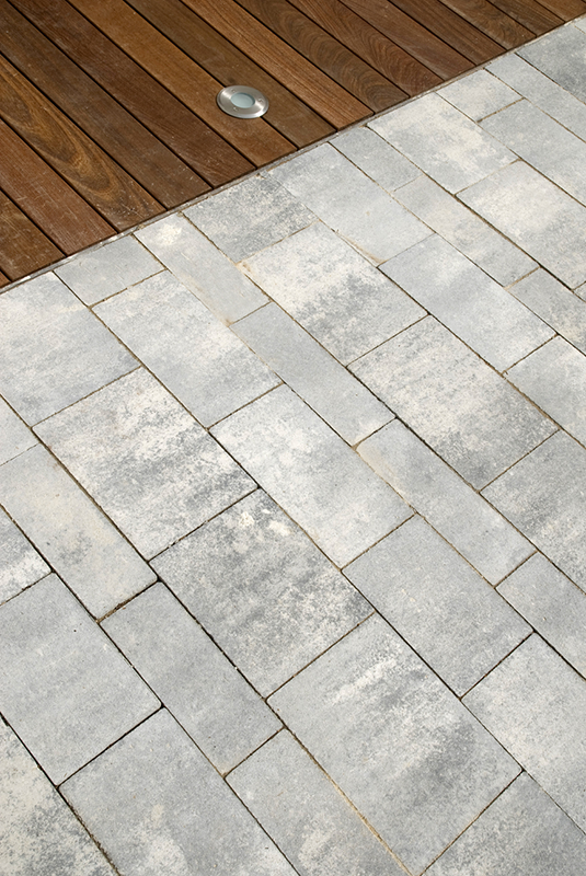 Paving slabs mix, multiformat. Raw - Quadro